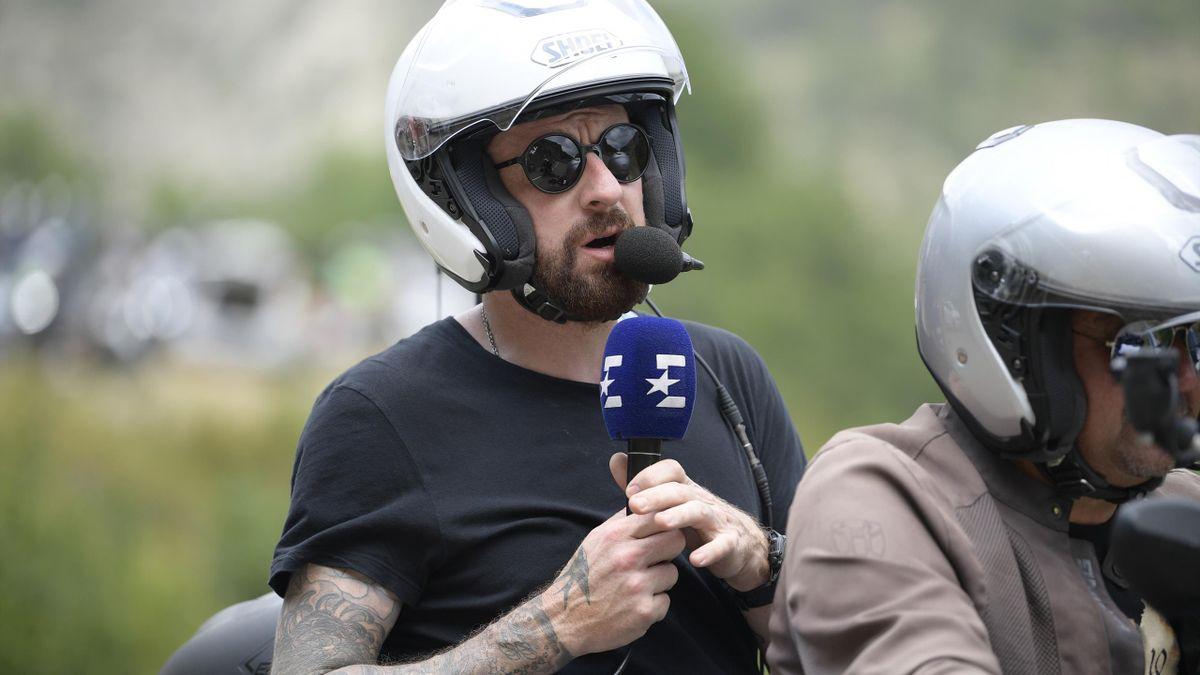 Bradley Wiggins working for Eurosport at the Tour de France