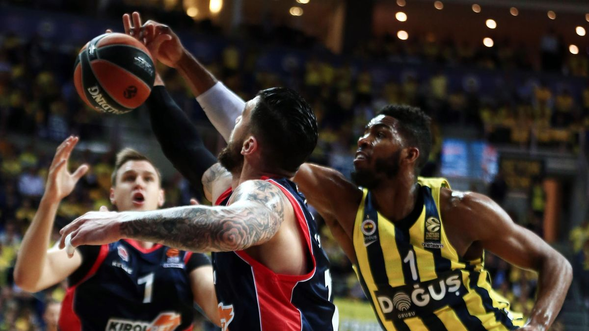 Fenerbahçe Doğuş - Baskonia, Jason Thompson