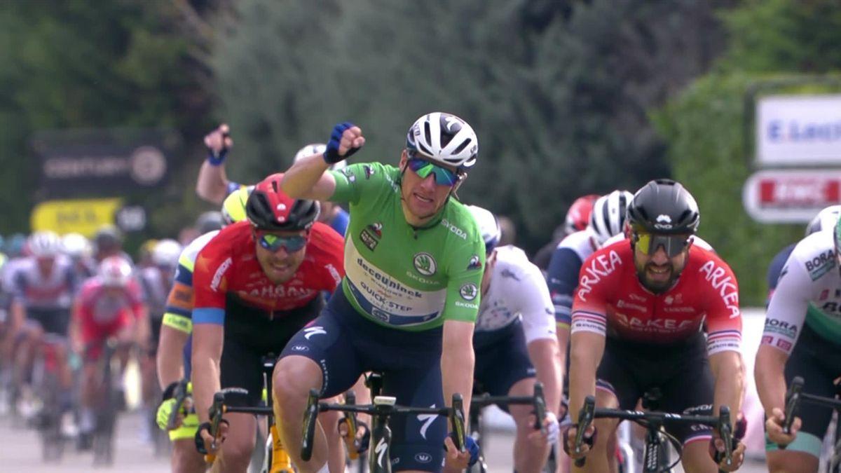 Watch 'brilliant' Bennett's stunning sprint finish on Stage 5