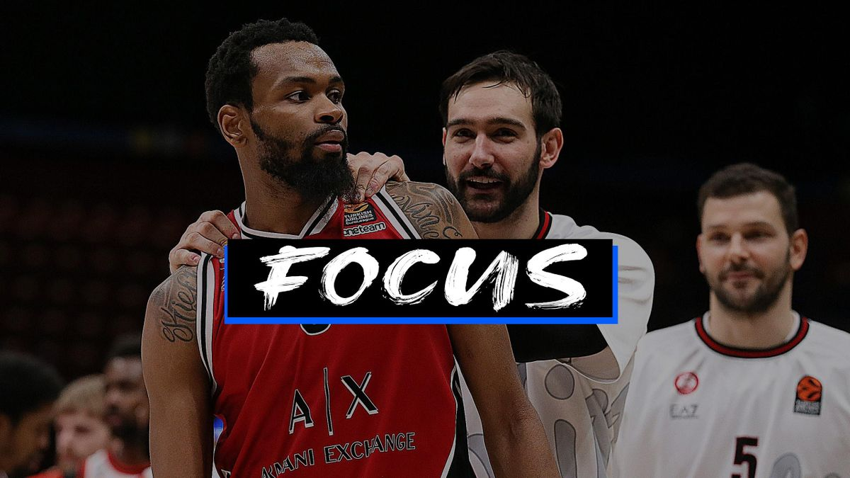 Kevin Punter, #00 of AX Armani Exchange Milan and Riccardo Moraschini, #09 of AX Armani Exchange Milan celebrates at the end of 2020/2021 Turkish Airlines EuroLeague Regular Season Round 22 match between AX Armani Exchange Milan and Olympiacos Piraeus