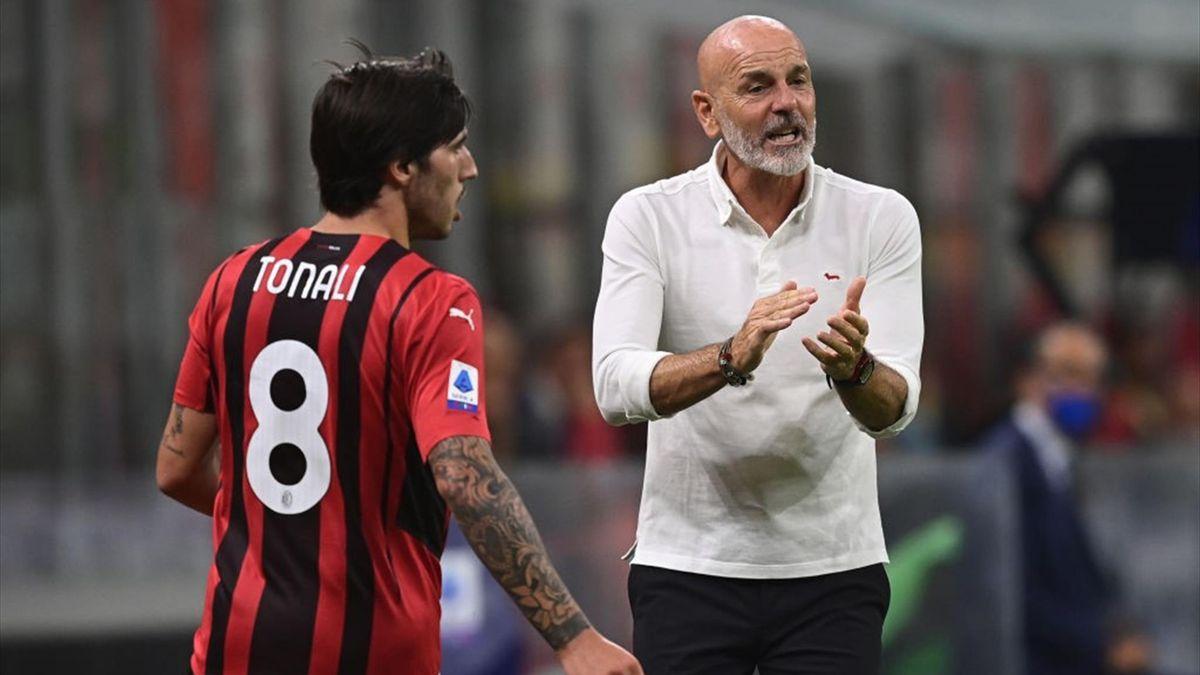 Sandro Tonali e Stefano Pioli - Milan-Cagliari - Serie A 2021-2022