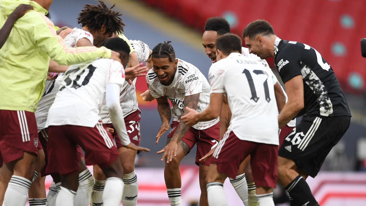 Reiss Nelson of Arsenal celebrates winning the Comminuty Shield after the FA Community Sheild match between Arsenal and Liverpool at Wembley Stadium on August 29, 2020