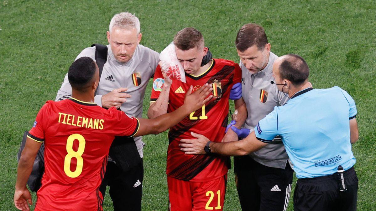 Für Belgiens Timothy Castagne (mitte) ist die EM bereits beendet