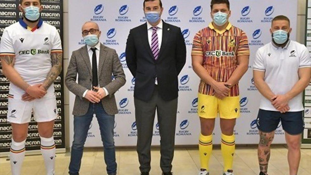 Naționala de rugby a României și-a prezentat noul echipament (Sursa foto: dincolodesport.eu)