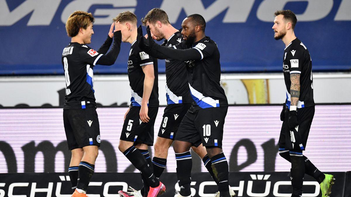 Arminia Bielefeld bejubelt den Erfolg gegen Hertha BSC Berlin