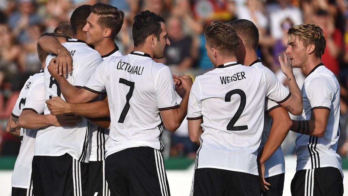 Die deutsche U21 feiert ein Tor gegen die Slowakei