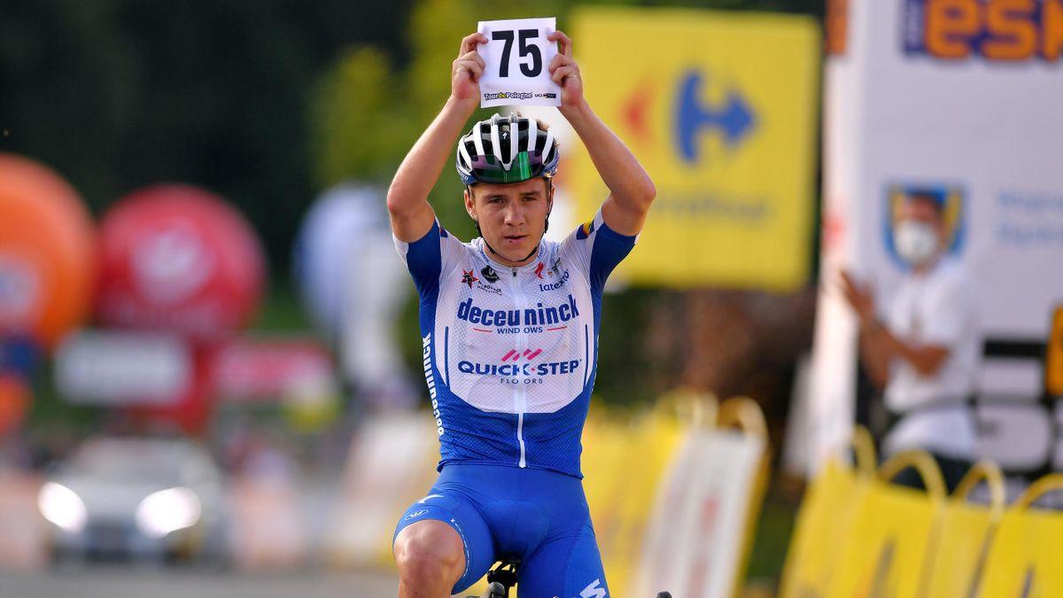 Remco Evenepoel i-a dedicat victoria din etapa a 4-a din Turul Poloniei colegului s[u Fabio Jakobsen