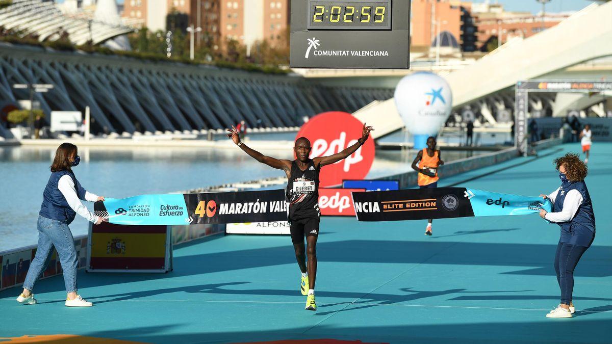 Evans Chebet remporte le marathon de Valence en 2020