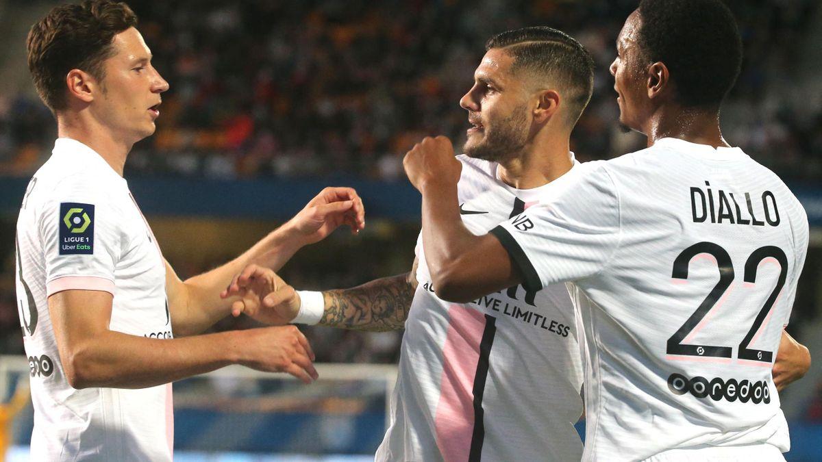 Icardi celebrates for PSG