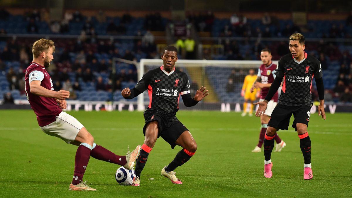 Georginio Wijnaldum (mitte) and Roberto Firmino (rechts; beide Liverpool) im Spiel gegen West Ham