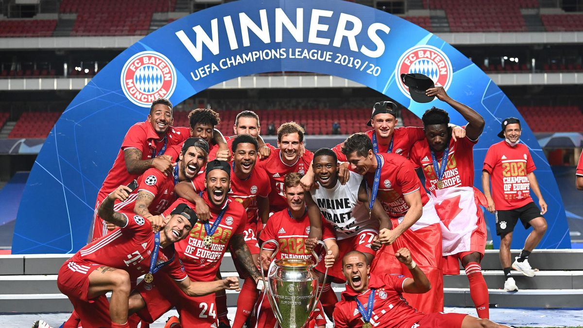 Players of Bayern Munich celebrate at the end of the UEFA Champions League final football match between Paris Saint-Germain and Bayern Munich at the Luz stadium in Lisbon, Portugal on August 23, 2020