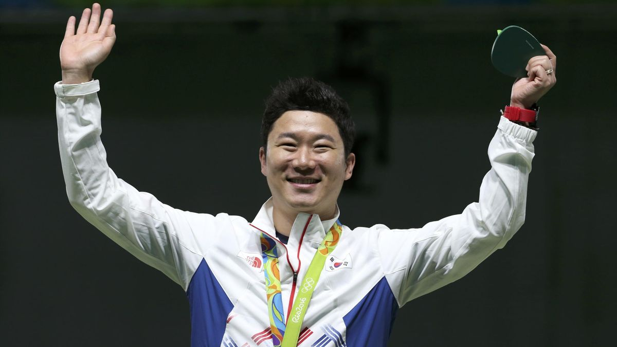South Korea's Jin Jong-Oh wins gold in the 50m pistol event at Rio
