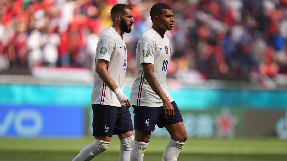 Karim Benzema et Kylian Mbappé (France) face à la Hongrie