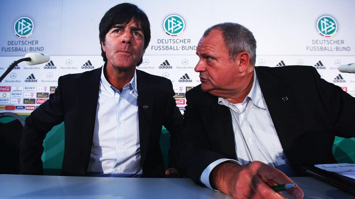 Bundestrainer Joachim Löw mit Harald Stenger