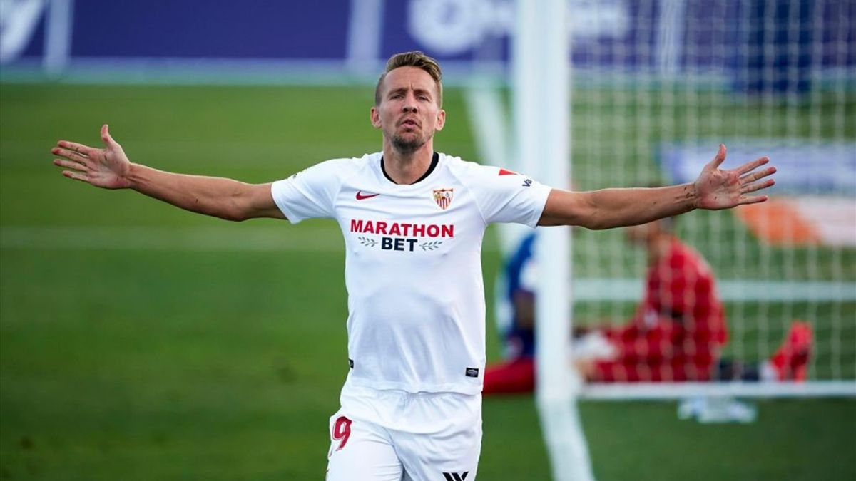Luuk de Jong of Sevilla celebrates after scoring his team's first goal during the Liga match between Levante UD and Sevilla FC at Estadio Camilo Cano on June 15, 2020