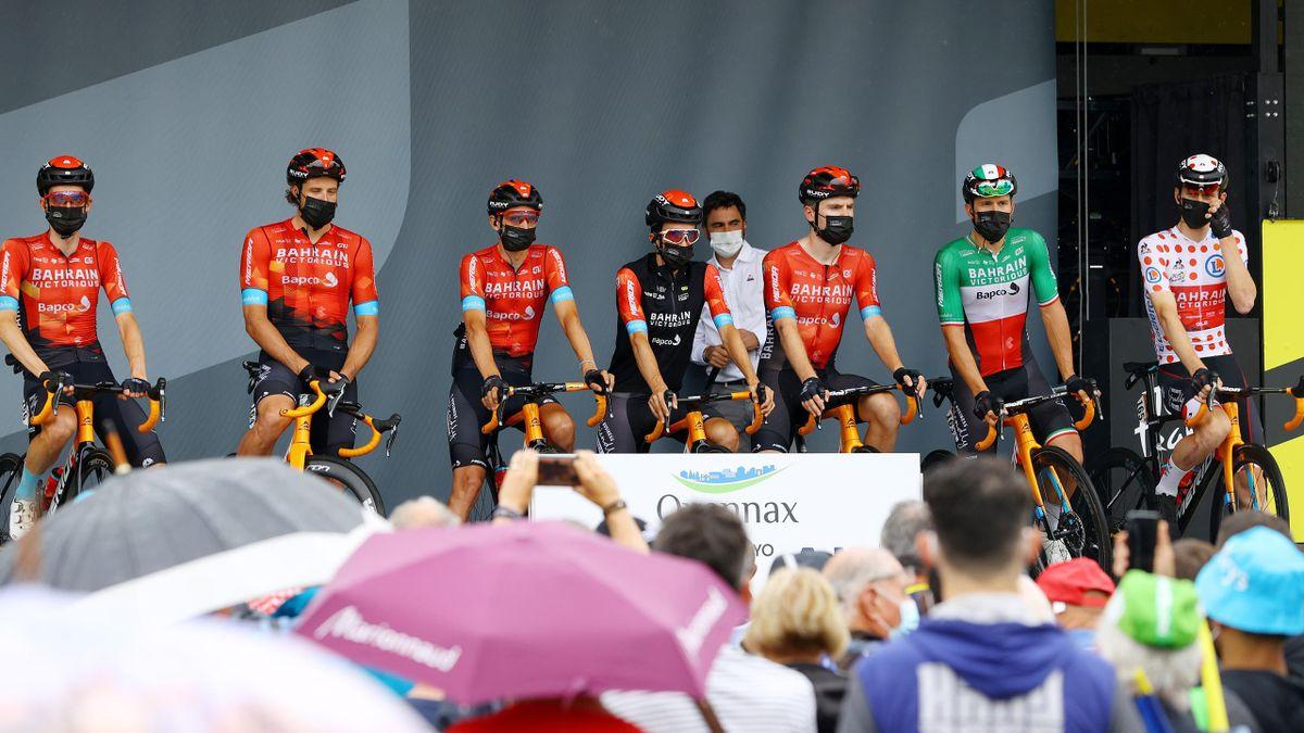 Team Bahrain Victorious presentert i Tour de France.
