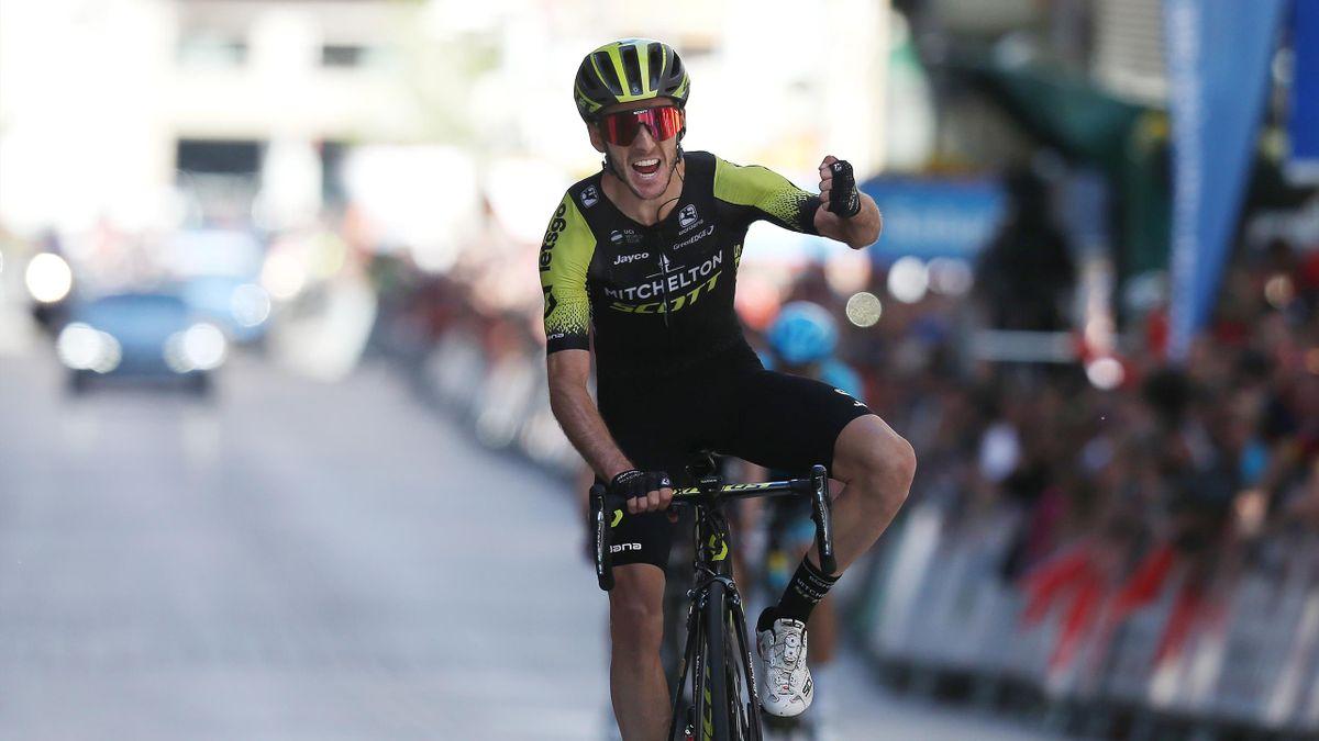 Adam Yates savoure son succès lors de la 6e et dernière étape du Tour du Pays basque 2019