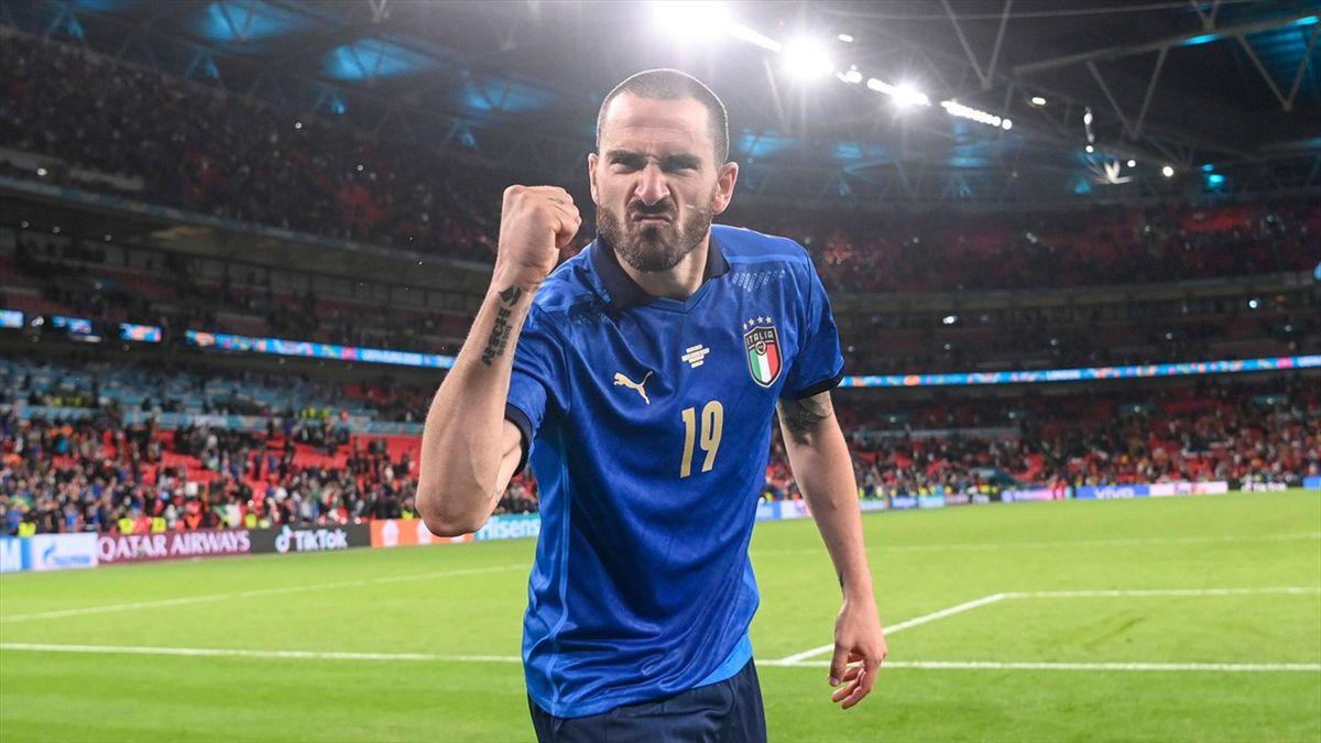 Leonardo Bonucci exhulte après la qualification de l'Italie face à l'Espagne