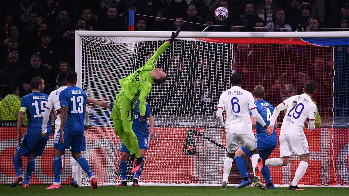 Juventus' Polish goalkeeper Wojciech Szczesny makes a save during the UEFA Champions League round of 16 first-leg football match between Lyon and Juventus at the Parc Olympique Lyonnais stadium in Decines-Charpieu, central-eastern France, on February 26,