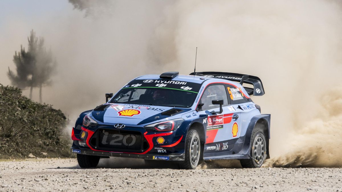 Thierry Neuville of Belgium and Nicolas Gilsoul of Belgium compete in their Hyundai Shell Mobis WRT Hyundai i20 Coupe WRC during the SS5 Viana do Castelo of the WRC Portugal on May 18, 2018 in Viana do Castelo, Portugal