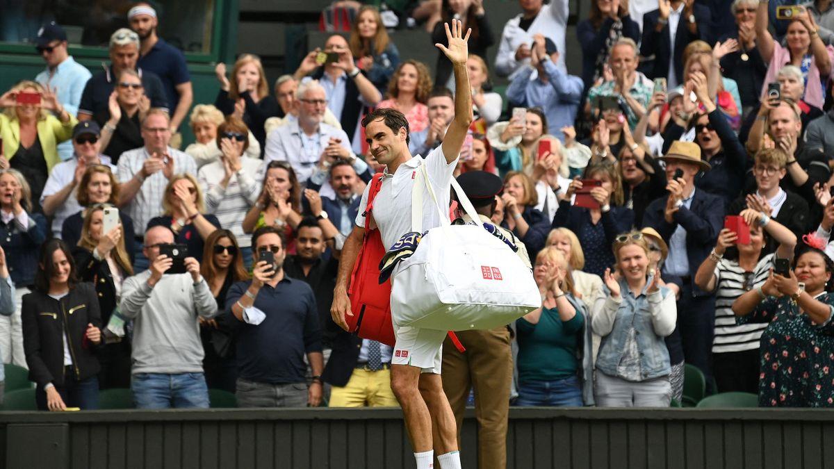 L'uscita dal campo di Roger Federer - Wimbledon 2021