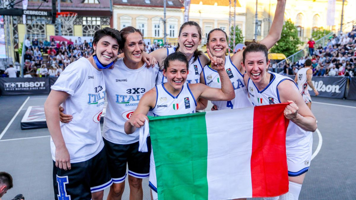 Giulia Ciavarella, Marcella Filippi, Sara Madera, Raelin D'Alie, Chaira Consolini e Giulia Rulli