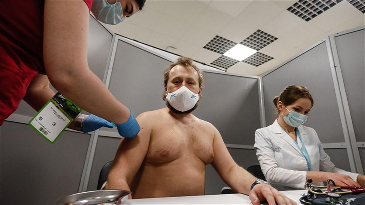 Covid-19, Zenit: Cumperi bilet, primești vaccinul gratis
