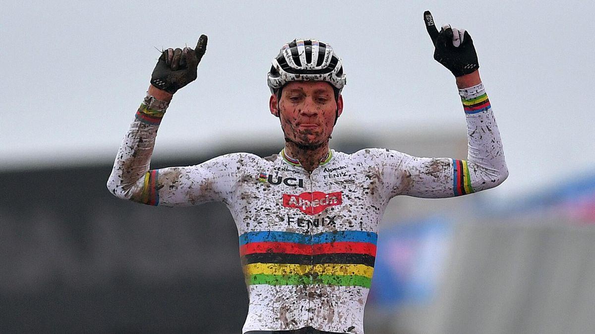 Mathieu van der Poel celebrates victory in Hulst