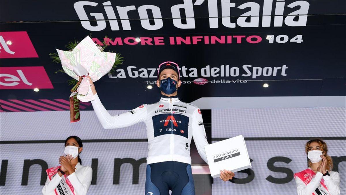 Filippo Ganna con la maglia bianca a Novara - Giro d'Italia 2021 - Getty Images