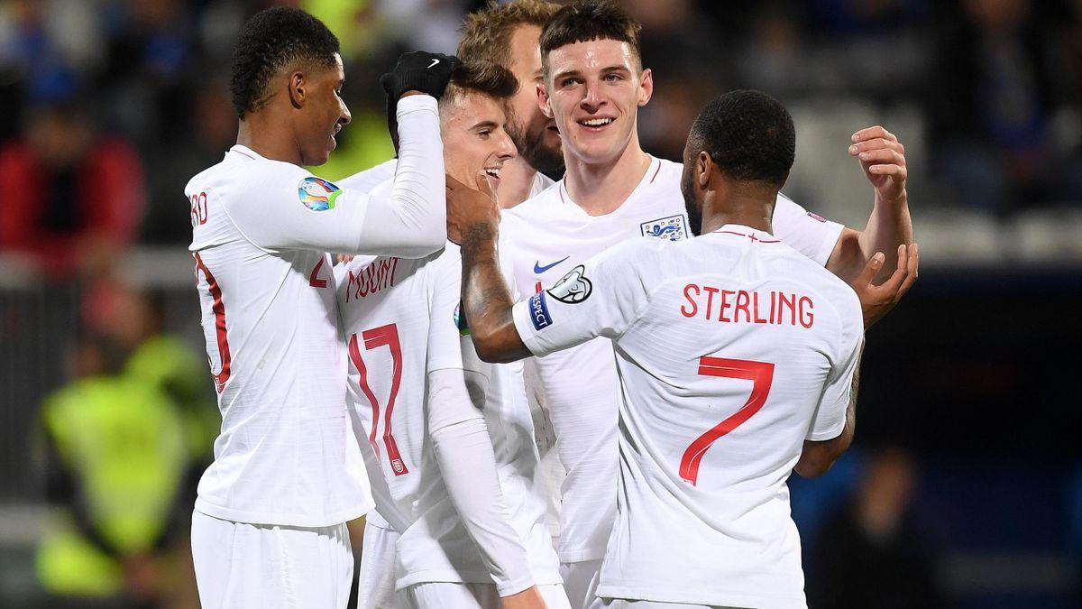 Mason Mount of England celebrates scoring his team's fourth goal with Raheem Sterling ,Marcus Rashford and Declan Rice during the UEFA Euro 2020 Qualifier between Kosovo and England at the Pristina City Stadium on November 17, 2019 in Pristina, Kosovo.