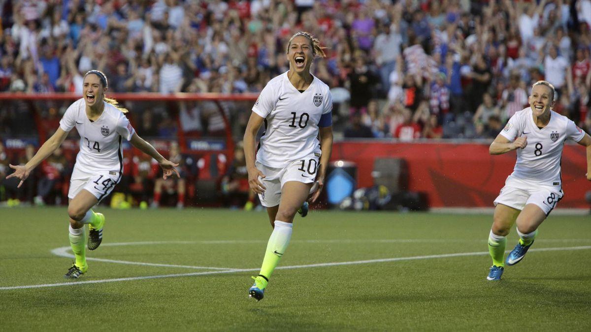 Carli Lloyd (M) lässt die USA jubeln