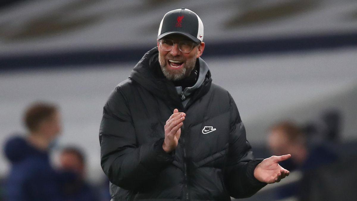 Liverpool boss Jurgen Klopp applauds his players