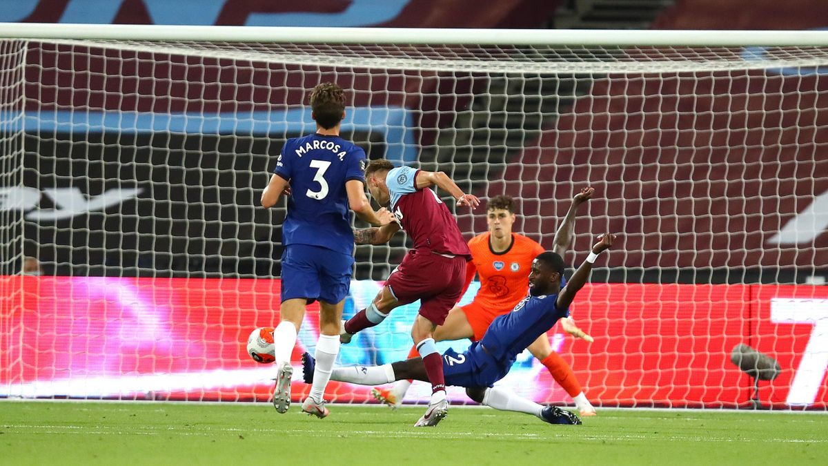 Andriy Yarmolenko of West Ham scores his sides third goal during the Premier League match between West Ham United and Chelsea FC