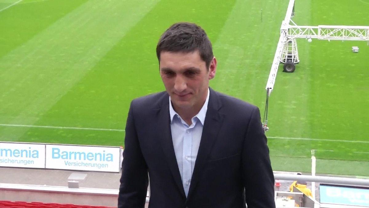 Tayfun Korkut replaces Roger Schmidt as Leverkusen coach