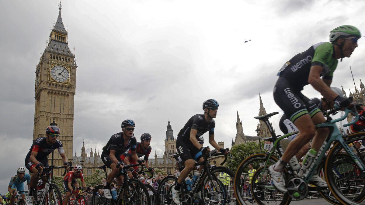 Tour de France hits London
