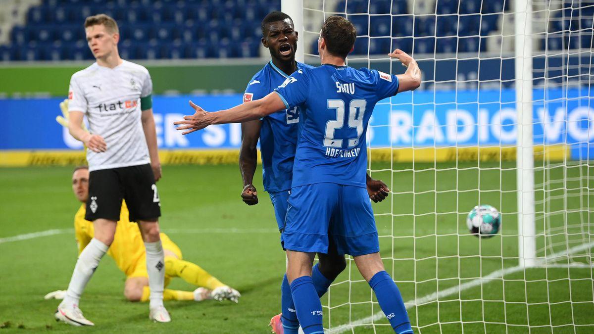 Ihlas Bebou (TSG Hoffenheim) bejubelt seinen Treffer gegen Borussia Mönchengladbach