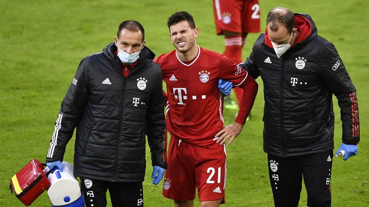 Lucas Hernández (mitte) verletzte sich gegen Bremen