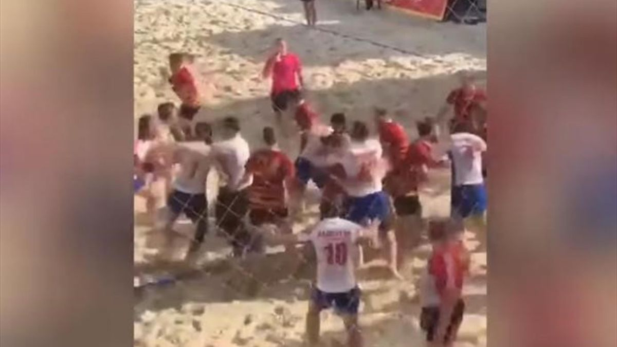 Матч чемпионата России по пляжному регби с участием сборной Дагестана закончился массовой дракой