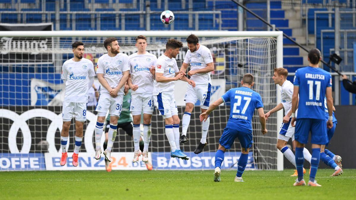 Andrej Kramaric (TSG Hoffenheim) gegen den FC Schalke 04