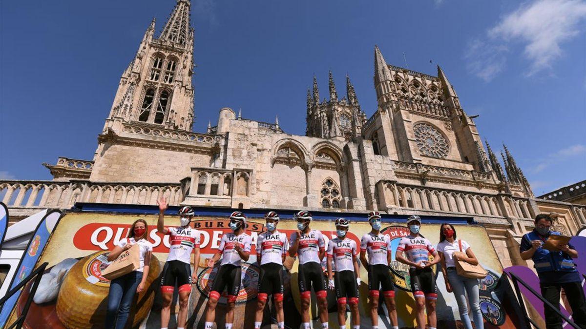 Los corredores del UAE Emirates en la presentación de la Vuelta a Burgos 2020