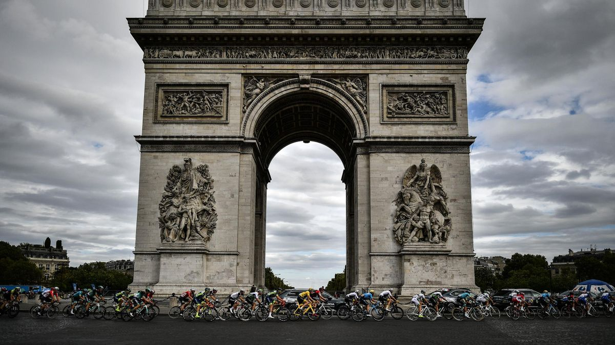 Champs-Elysee Tour