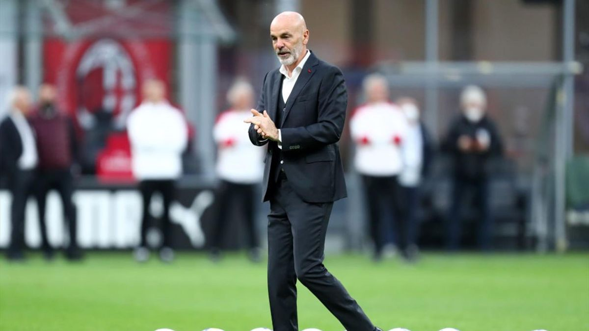 Stefano Pioli allena il Milan da ottobre 2019