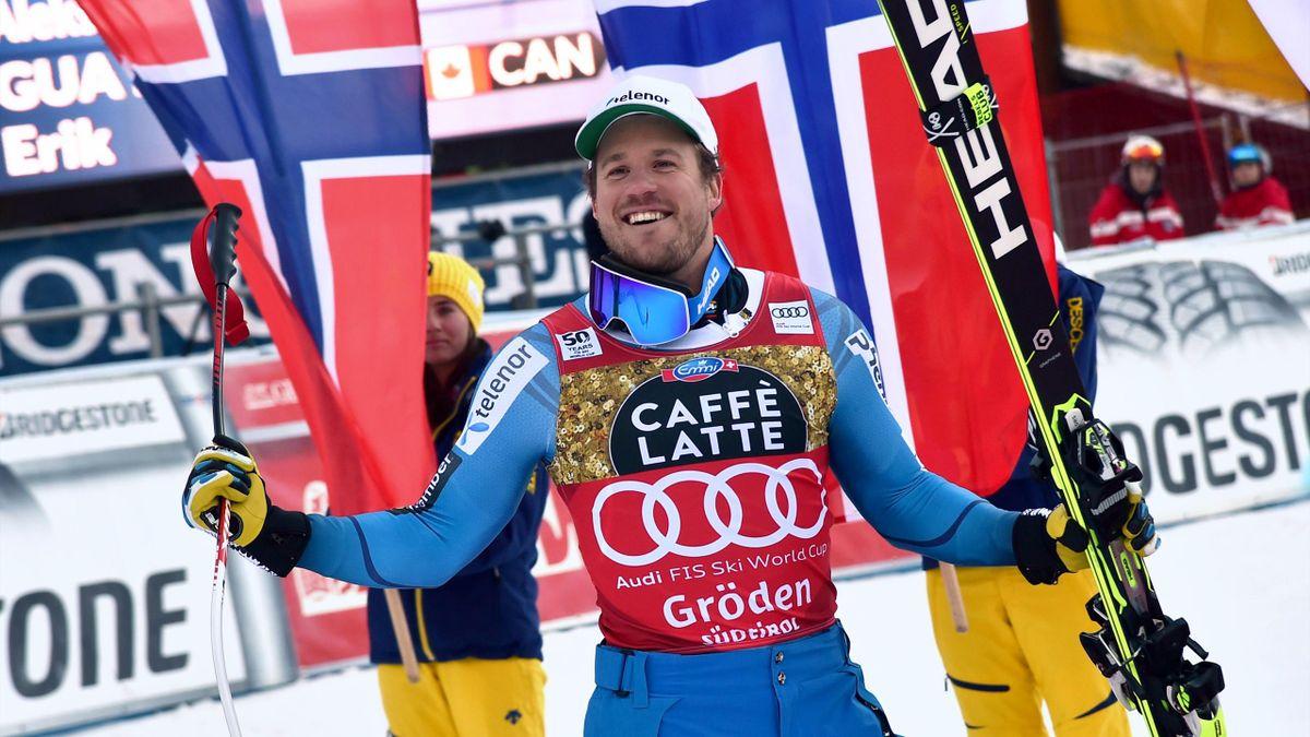 Norway's Kjetil Jansrud celebrates after winning the Men's Super G FIS Alpine World Cup on December 16, 2016 in Selva di Val Gardena, in the Italian Alps.