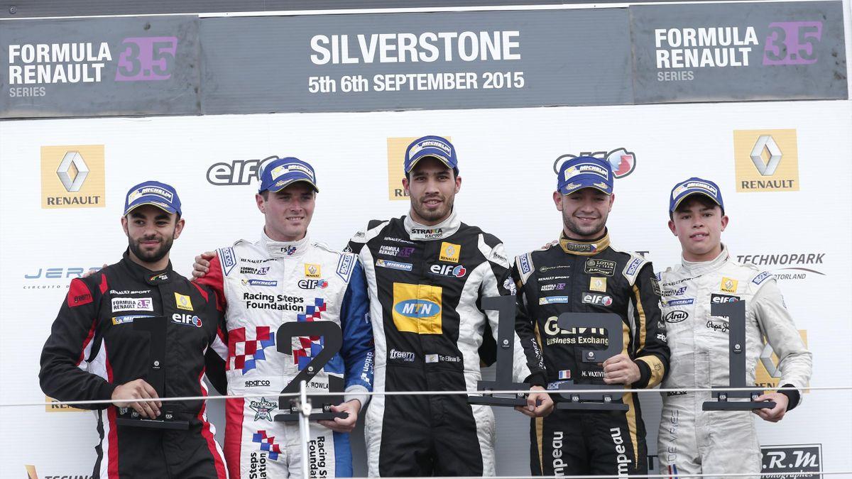 Tio Ellinas (Strakka Racing) insieme a Matthieu Vaxiviere (Lotus) e Oliver Rowland (Fortec Motorsports) sul podio di gara-1 a Silverstone