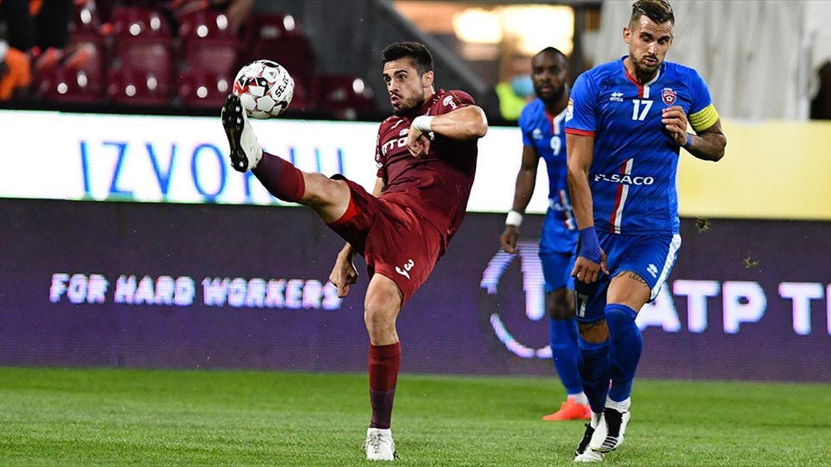 Andrei Burcă, în timpul partidei CFR - Botoșani 1-0