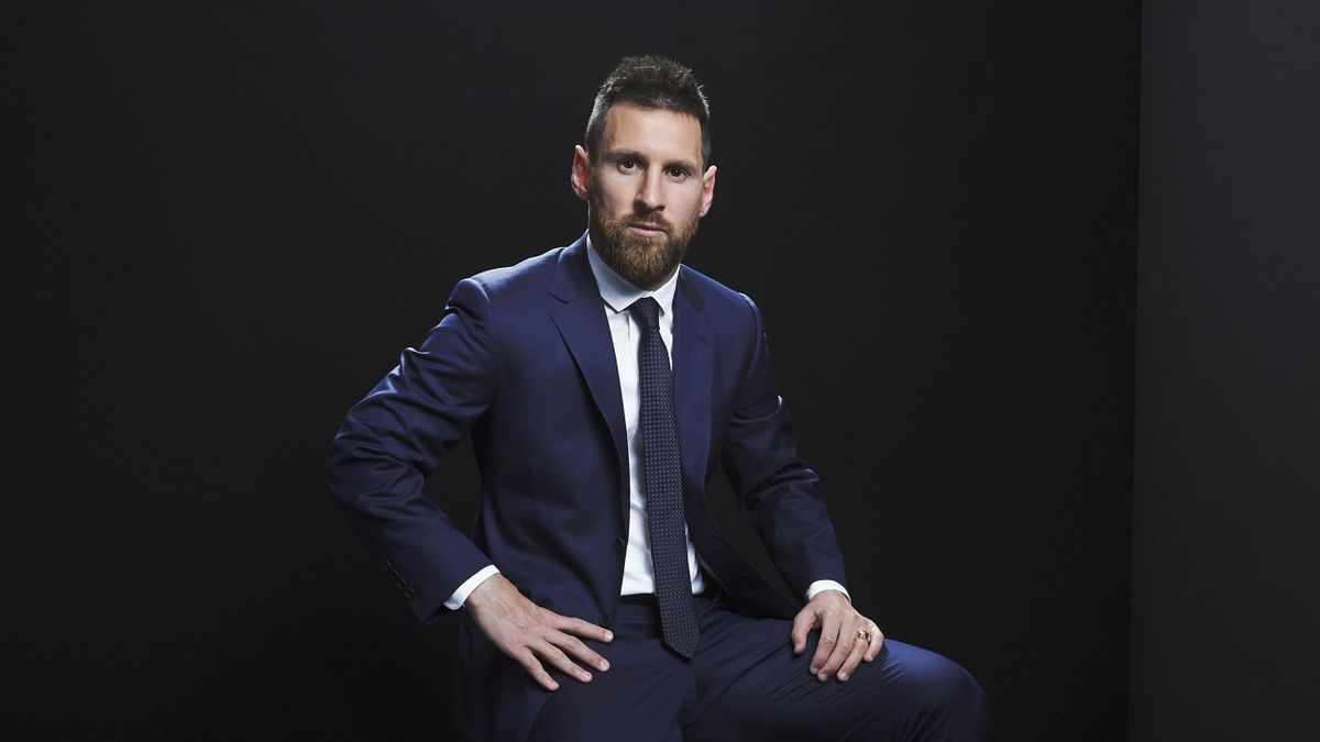 Messi backs UK social media boycott
