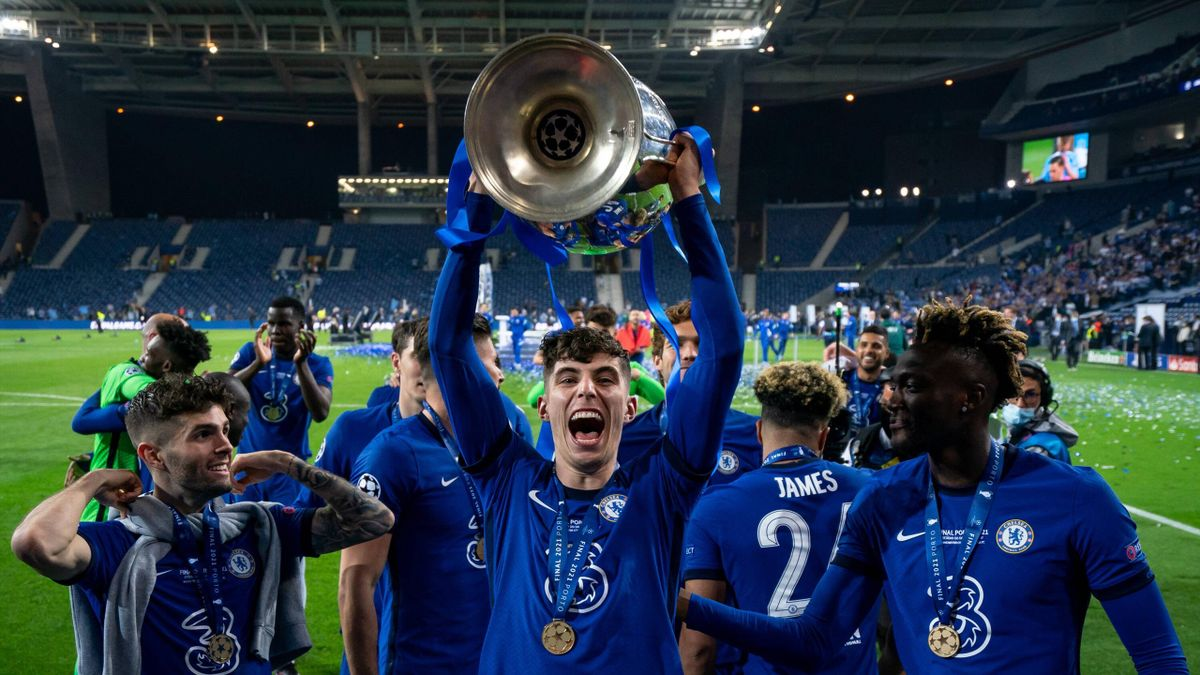 Kai Havertz of Chelsea lifts the winning trophy during the UEFA Champions League Final match between Manchester City and Chelsea