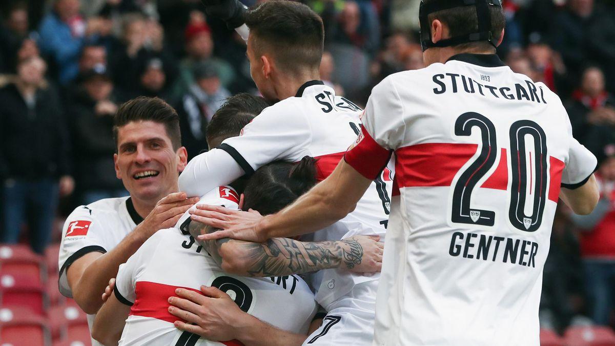 Der VfB Stuttgart feiert den Sieg über Borussia M'Gladbach