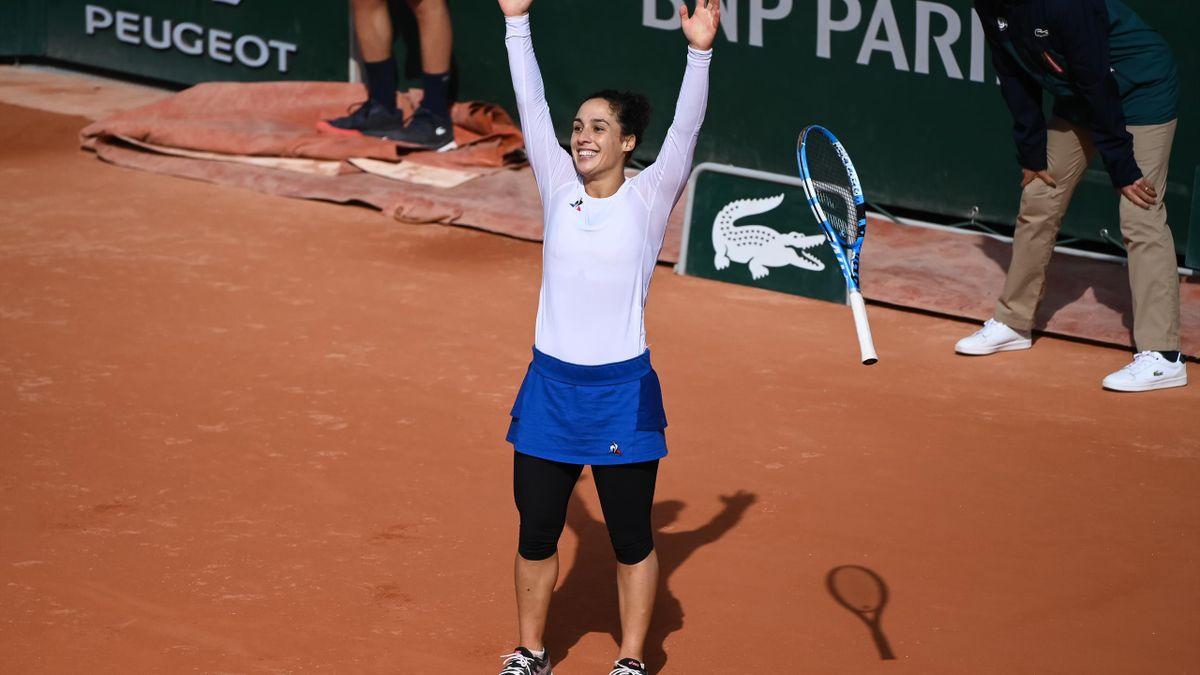 Martina Trevisan celebrates her win over Kiki Bertens