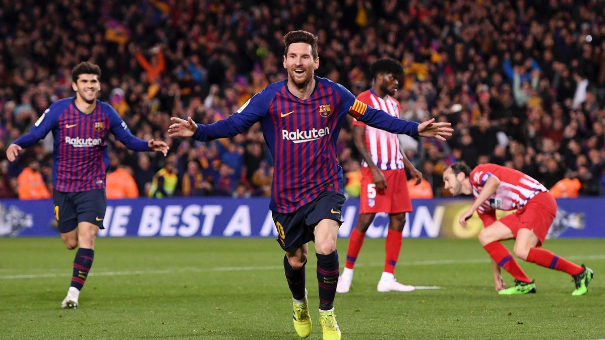 Lionel Messi of Barcelona celebrates after scoring his team's second goal during the La Liga match between FC Barcelona and Club Atletico de Madrid at Camp Nou